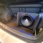 JL Audio CP112 W0v3 BassWedge in VW GOLF GTI