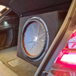 Kicker CompR Red 15 Subwoofer 800W RMS