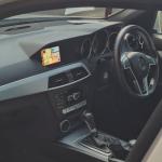 W204 Mercedes fitted Apple CarPlay onto OEM